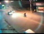 Accident violent entre une moto et une voiture