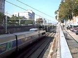 Un train TGV+ Un train TGV qui klaxonne à Lyon le 24/09/09