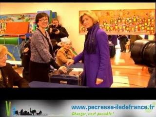 Valérie au bureau de vote du 1er tour