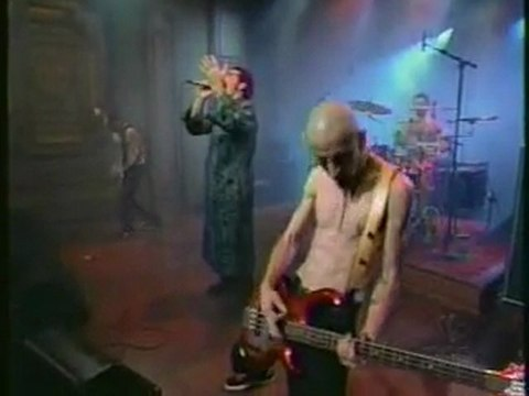 System Of A Down - Spiders Live ( Conan O'Brien )