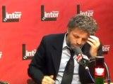 Guillon met en scène les excuses de Jean Luc Hees