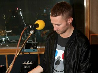 Miike Snow - In For The Kill (La Roux Cover) - Live Lounge