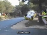 crash rallye sauvé par un arbre