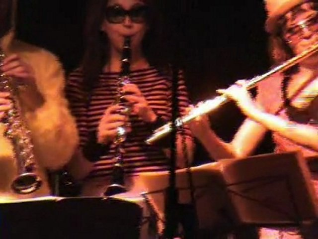 The Very Big Experimental Toubifri Orchestra - reportage 08
