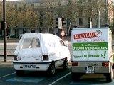 voitures électriques toujours devant la mairie de Versailles