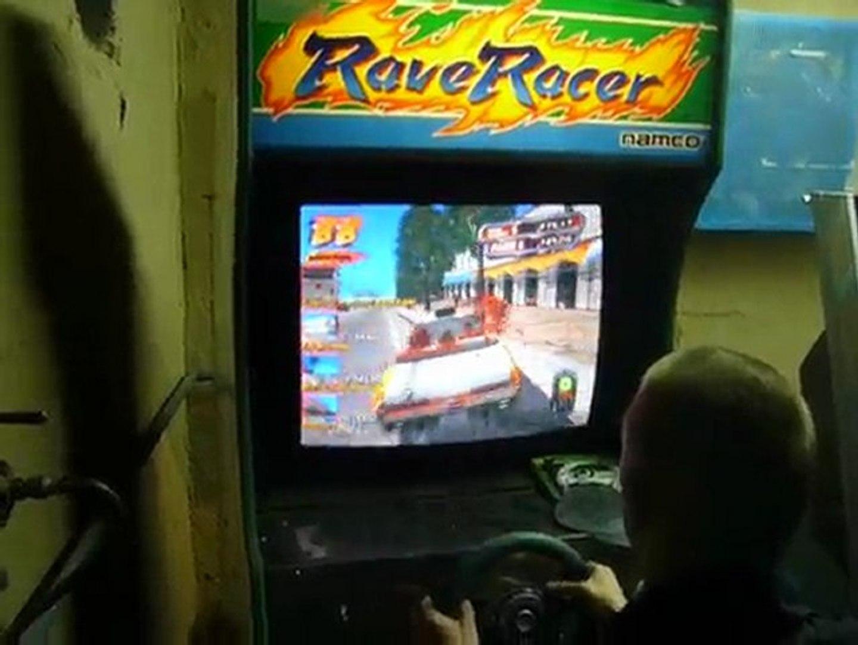 crazy taxi sur borne rave racer