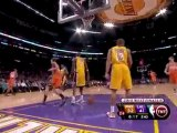 Louis Amundson blocks Lamar Odom's shot during the second qu