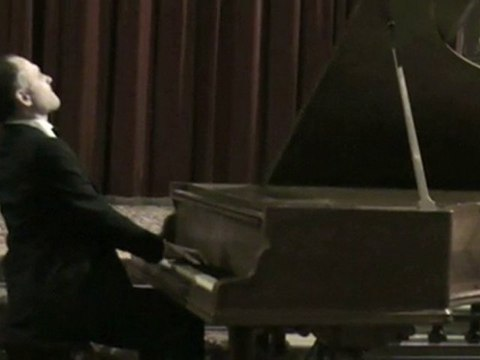 Chopin on a 19th century piano: Funeral March Sonata, fragm.