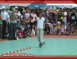Xu Xinyu Incroyable Slalom en Roller (HQ)