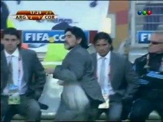 El taco de Maradona en video