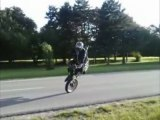 FATAL RIDER stunt derbi 50 cc a VOIR !!! street monster