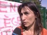Les parents d'élèves au Collège Jean Moulin manifestent