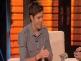 Zac Efron avale des scorpions dans un talk-show