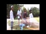 extrai dyu clip offic bientot le clip sisi merki a la famille ki son reparti au pays ;-)