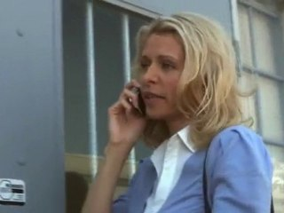 Henry au téléphone avec Rachel