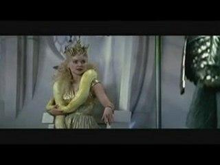 Miko jako Atena podczas rady bogów!