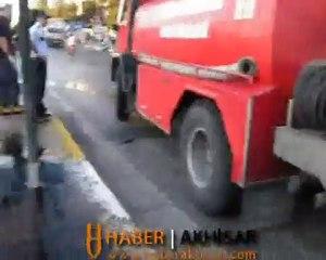 Akhisar'da Feci Kaza Araba Takla Atarak Ters Döndü