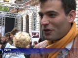 Paris: 700 anonymes défilent sur les Grands Boulevards