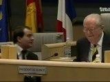 26/03/2010 - JM LE PEN préside la séance du Conseil régional