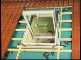 FAKRO fenêtre de toit - montage de fenêtre PTP-V