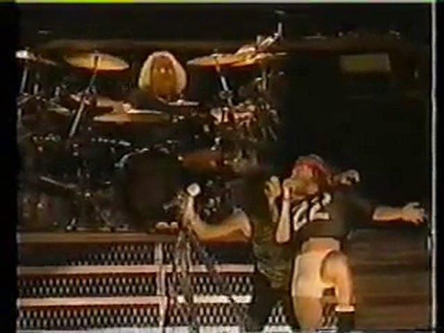 Guns N' Roses & Aerosmith – Mama Kin