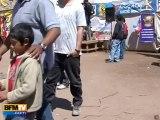 Les enfants des mineurs attendent leur sortie