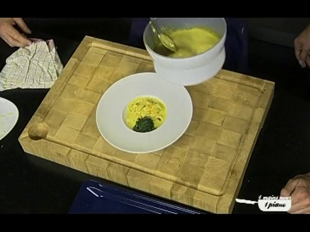 Sablé au parmesan et épinards en mouclade