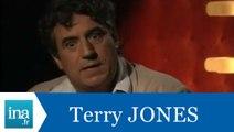 Terry Jones répond à Terry Jones (Part 1) - Archive INA