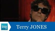 Terry Jones répond à Terry Jones (Part 2) - Archive INA