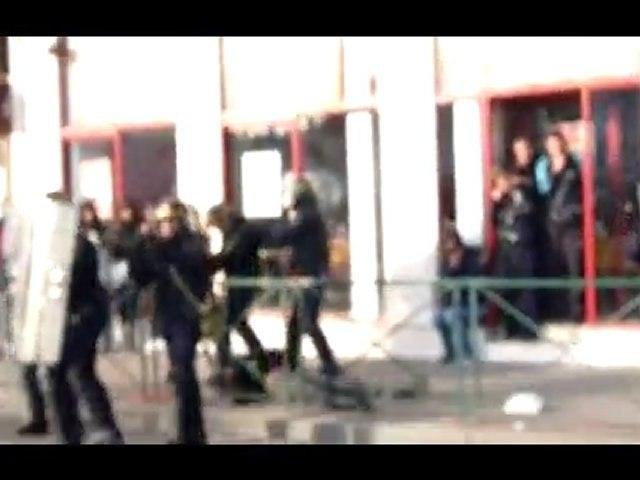 Prison Bellecour, Lyon le 21/10, un jeune fait un malaise