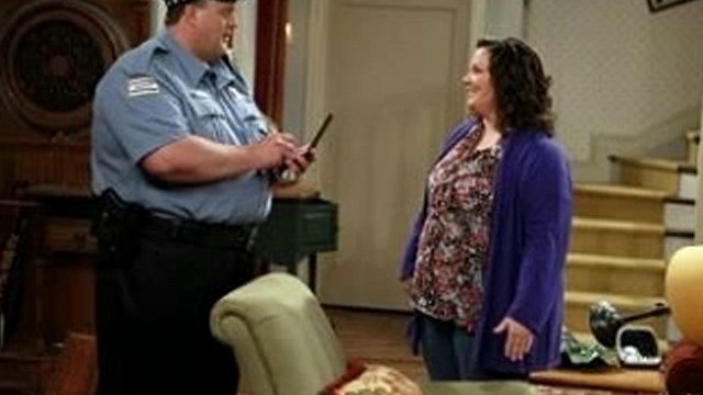 Mike and Molly season 1 episode 6  Mikes Apartment
