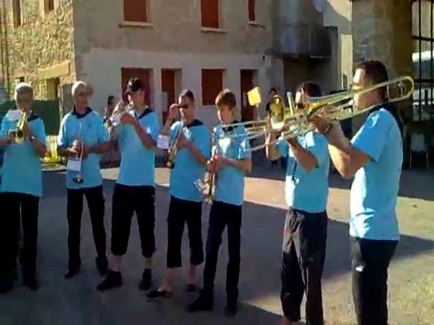 animation avec la banda los amigos a montbazens (12) video 1