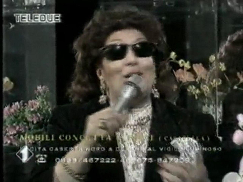 Concetta Mobili Caserta.Mai Dire Tv Concetta Mobili La Cantante Anna