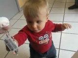 Wyatt en train de marcher (11 mois)
