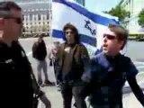 YouTube_-_un_am_ricain_insulte_des_sionistes_dans_la_rue_