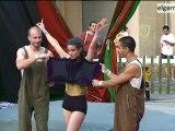 Circ a les places -  Presoners del circ, Atirititando