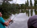 Titi et Baf en dual fishing fight