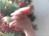 """Un Père Noël déjanté dans """"Petit Papa Noël"""" de Tino Rossi"""