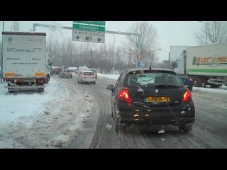 La neige perture la Savoie