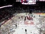 23 000 ours en peluches lancés sur la patinoire
