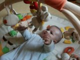 Killian sur son tapis d'eveil hihihi