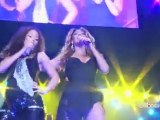 Alicia Keys & Beyoncé - Put It In A Love Song @ MSG