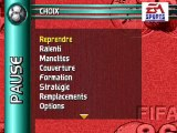 (thegamer) joue a un jeux retro fifa 96 mega drive