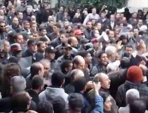 TUNIS 14 janvier HALTE AU MASSACRE DU PEUPLE TUNISIEN!