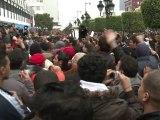 Tunisie : face à face musclé entre pro et anti-gvt
