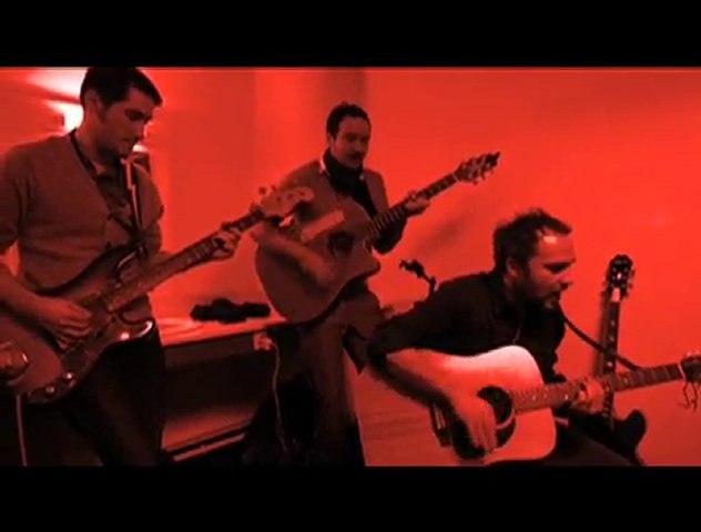 ELISTA - L'AMOUR, LA GUERRE & L'IMBECILE (live acoustique)