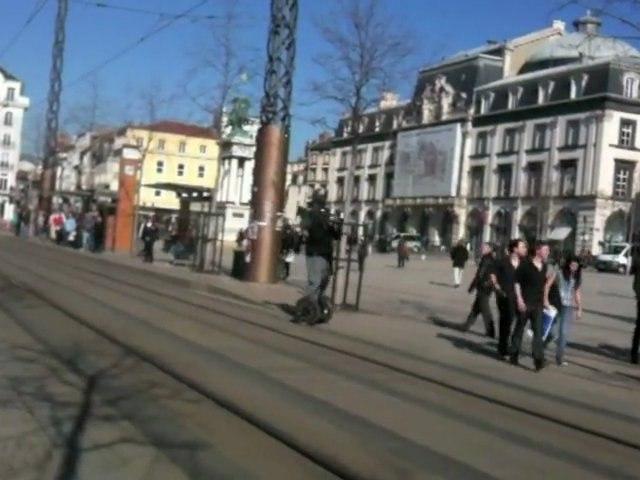 Cameraman de France 3 en Segway Place de Jaude à Clermont