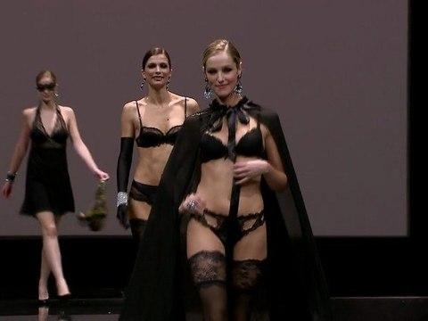 Lise Charmel Défilé Salon International de la lingerie 2011
