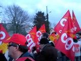Feuquières : la CGT manifeste devant Saverglass