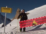Arabic-Web-On avalanche patrol with the French 'pisteurs'